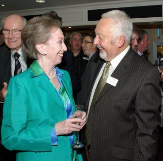 Margaret Beckett with Guid Chairman Nigel Rosser at a Caravan Writers Guild dinner in 2010
